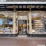 Met Google streetview binnen kijken bij Athenaeum boekhandel in Amsterdam