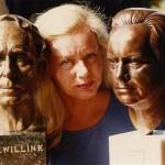 KITLV krijgt bronzen hoofd van schrijver E. du Perron