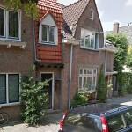 Herinneringsplaquette oprichting Uitgeverij De Bezige Bij in Utrecht