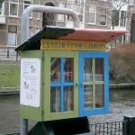 De Amerikaanse 'Little Free Library' nu ook in Nederland, 1e mini-bibliotheek in Den Haag