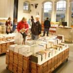 Eerste 'Bibliotheek op het station' in Haarlem vandaag officieel geopend